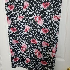 Gorgeous Torrid size 1x floral pencil skirt
